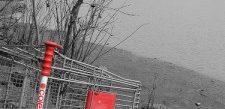 B&W Shopping cart